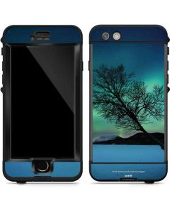 Aurora Borealis over Sandvannet Lake LifeProof Nuud iPhone Skin