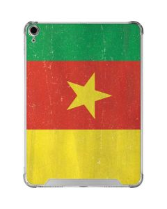Cameroon Flag Distressed iPad Air 10.9in (2020) Clear Case