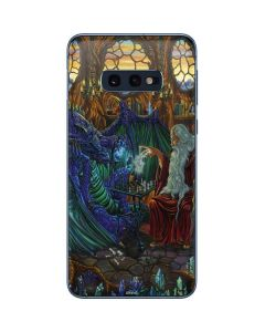 Dragon and Wizard Playing Chess Galaxy S10e Skin