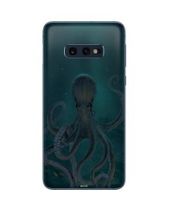 Giant Octopus Galaxy S10e Skin