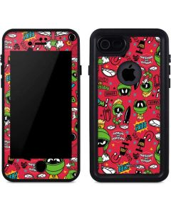 Marvin the Martian Patches iPhone SE Waterproof Case
