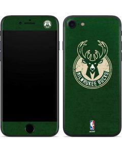 Milwaukee Bucks Green Distressed iPhone SE Skin