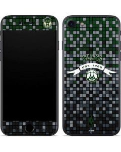 Milwaukee Bucks Pixels iPhone SE Skin