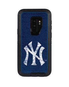 New York Yankees - Solid Distressed Otterbox Defender Galaxy Skin