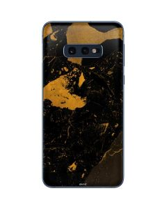 Black and Gold Scattered Marble Galaxy S10e Skin