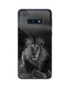 Black and White Lion Galaxy S10e Skin