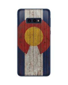 Colorado Flag Dark Wood Galaxy S10e Skin