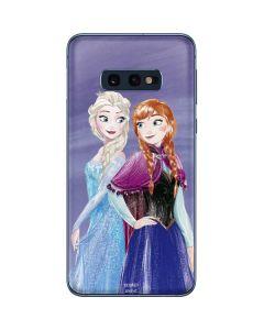Elsa and Anna Sisters Galaxy S10e Skin