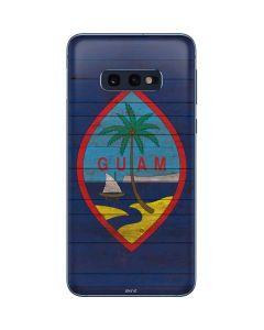 Guam Flag Dark Wood Galaxy S10e Skin