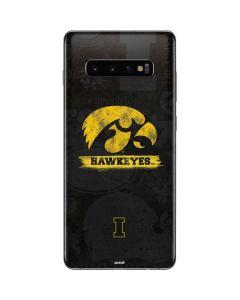 Iowa Hawkeyes Distressed Logo Galaxy S10 Plus Skin