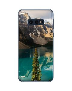 Majestic Mountains and Evergreen Forests Galaxy S10e Skin