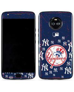 New York Yankees - Primary Logo Blast Moto X4 Skin