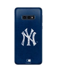 New York Yankees - Solid Distressed Galaxy S10e Skin