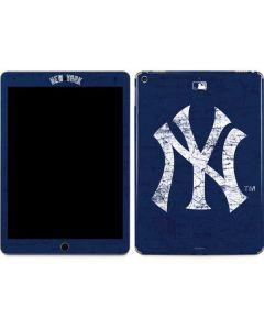 New York Yankees - Solid Distressed Apple iPad Air Skin