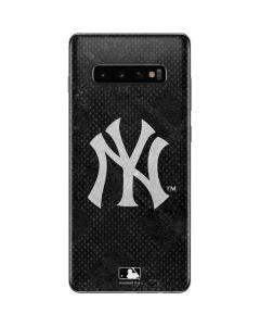 New York Yankees Dark Wash Galaxy S10 Plus Skin