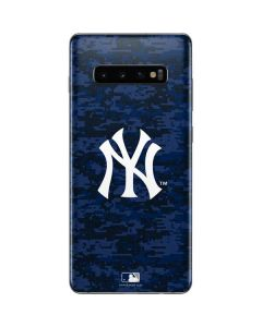 New York Yankees Digi Camo Galaxy S10 Plus Skin