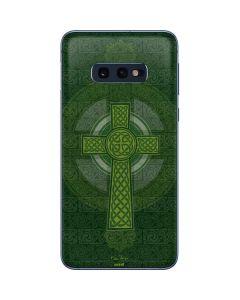 Radiant Cross - Green Galaxy S10e Skin