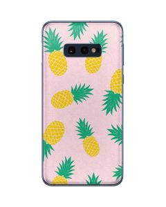 Summer Pineapples Galaxy S10e Skin