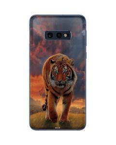 Rising Tiger Galaxy S10e Skin