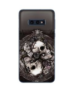 Skulls and Roses Galaxy S10e Skin