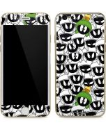 Marvin the Martian Super Sized iPhone 6/6s Skin