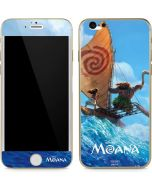 Moana and Maui Ride the Wave iPhone 6/6s Skin